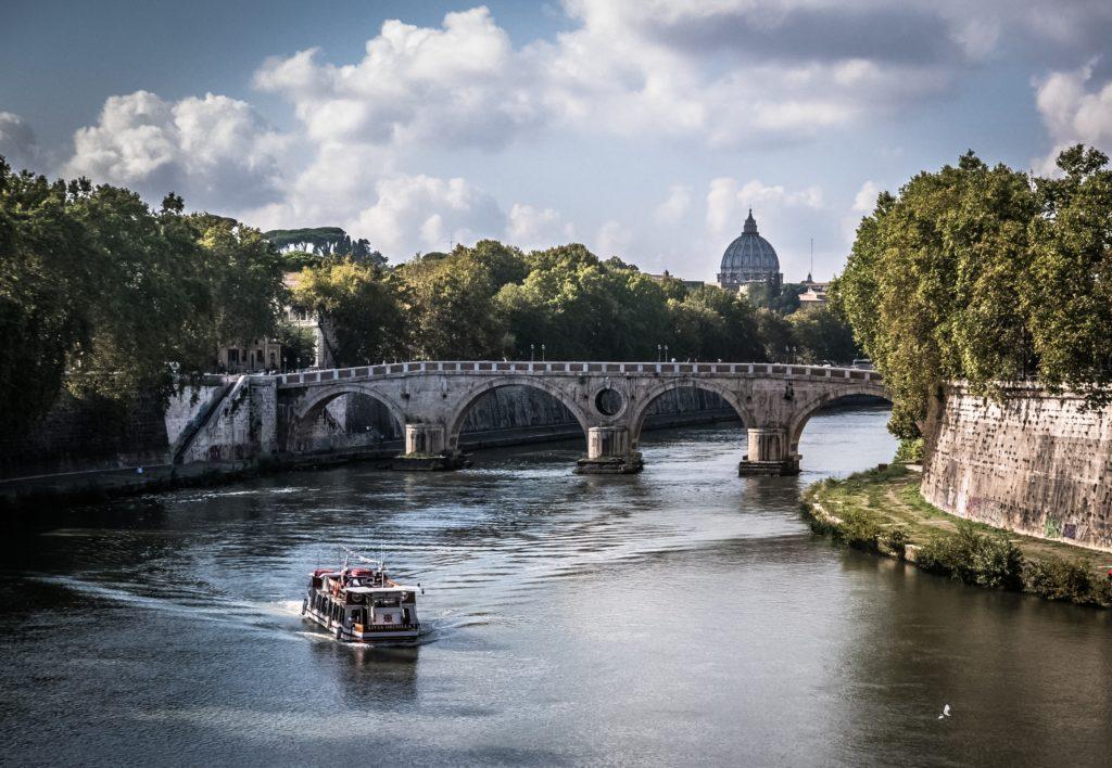 rome boat tevere